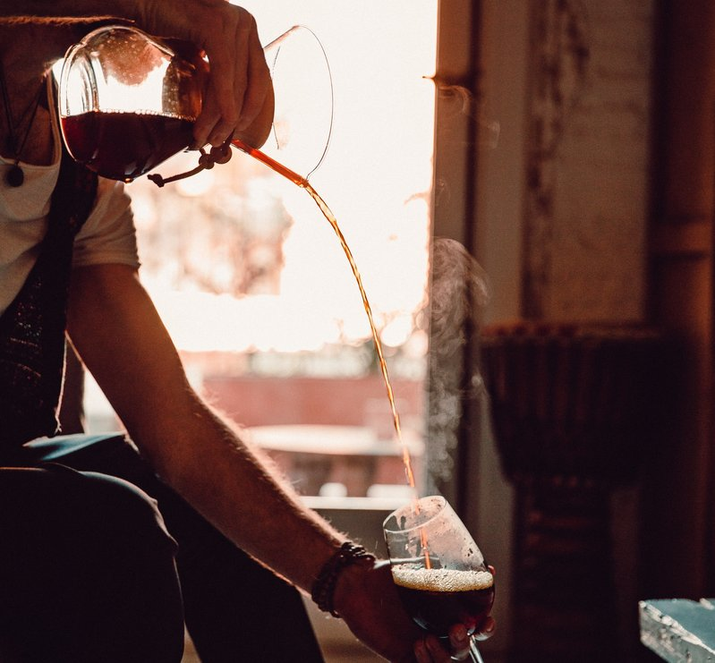 GRAIN-MOULU-CHEMEX-CAFE-SPECIALTY-CHAUD-GESTE-PRECIS-ARTISAN